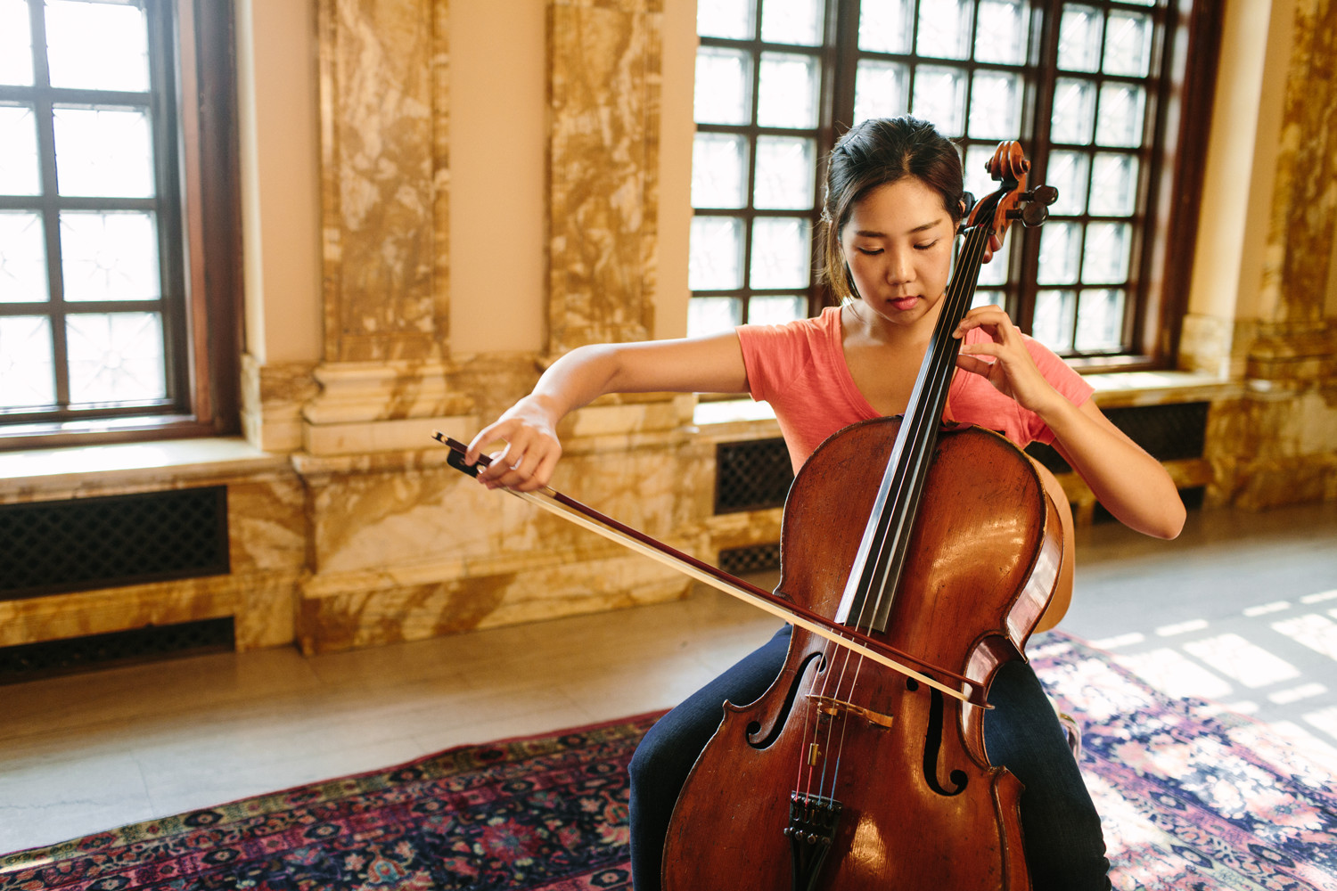 What are the qualifications to become a university profesor in music?